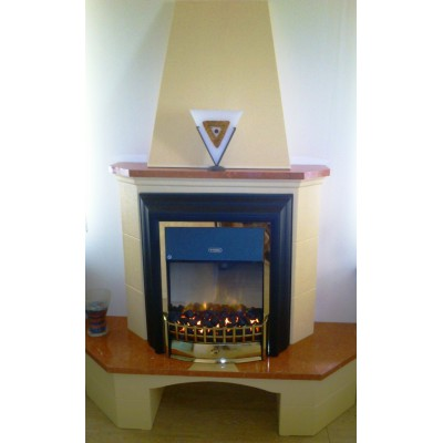 Elektrický krb Klasik Cheriton s komínem pohled zepředu